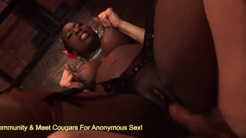 Ebony Milf White Guy Pov